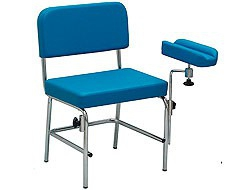 Armchairs tables and accessories for blood extraction
